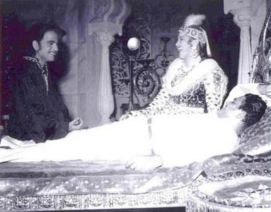 Dilip Kumar and Madhubala on the sets of Mughal e Azam