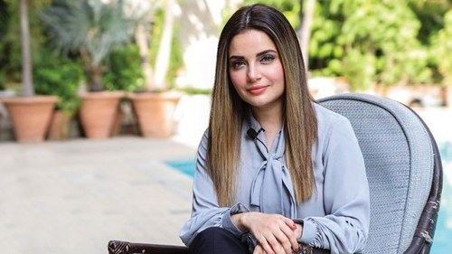 EXPLORING CREATIVE LIMITS – ARMEENA KHAN LAUNCHES HER YT CHANNEL