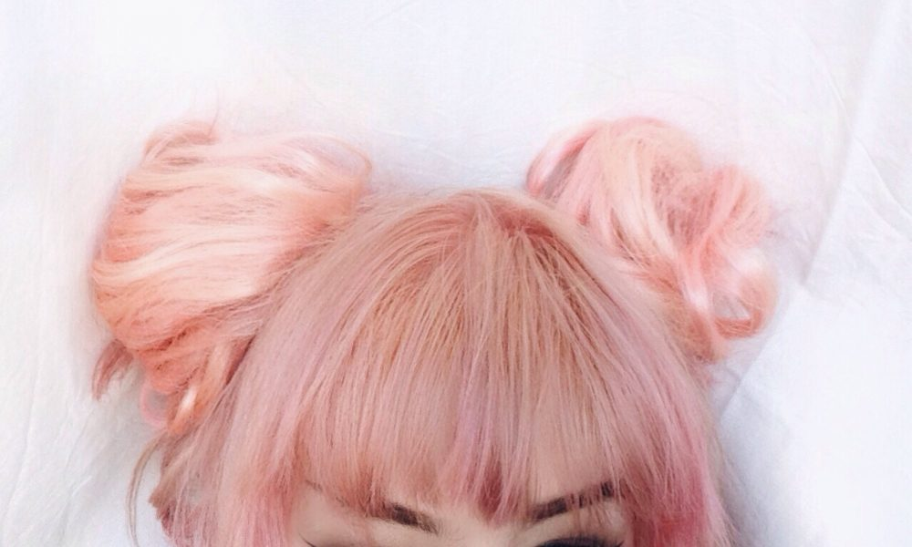 What's it like to be a pink-haired girl in Karachi?