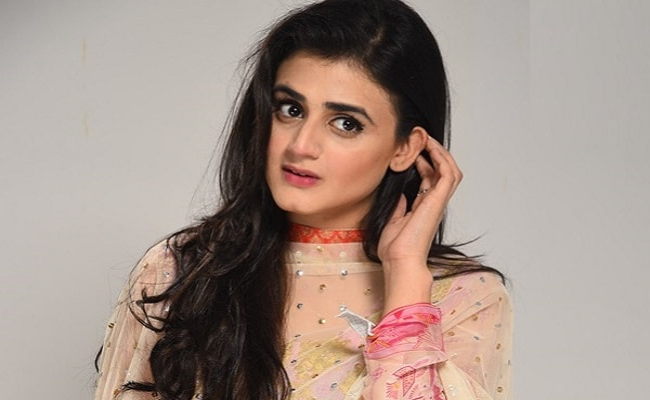 """If an actor isn't an intellectual, should they be hated for it?"" – Hira Mani"