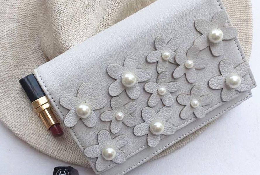 Edition Picks: 5 White Bags To Wear This Season!